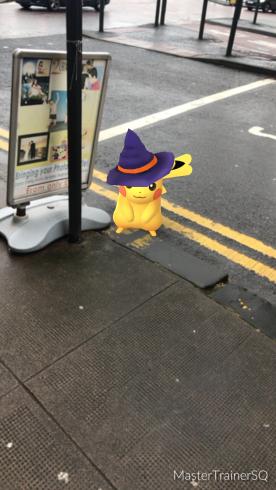 Halloween 2017 Pokémon Go Hunting Pikachu Street